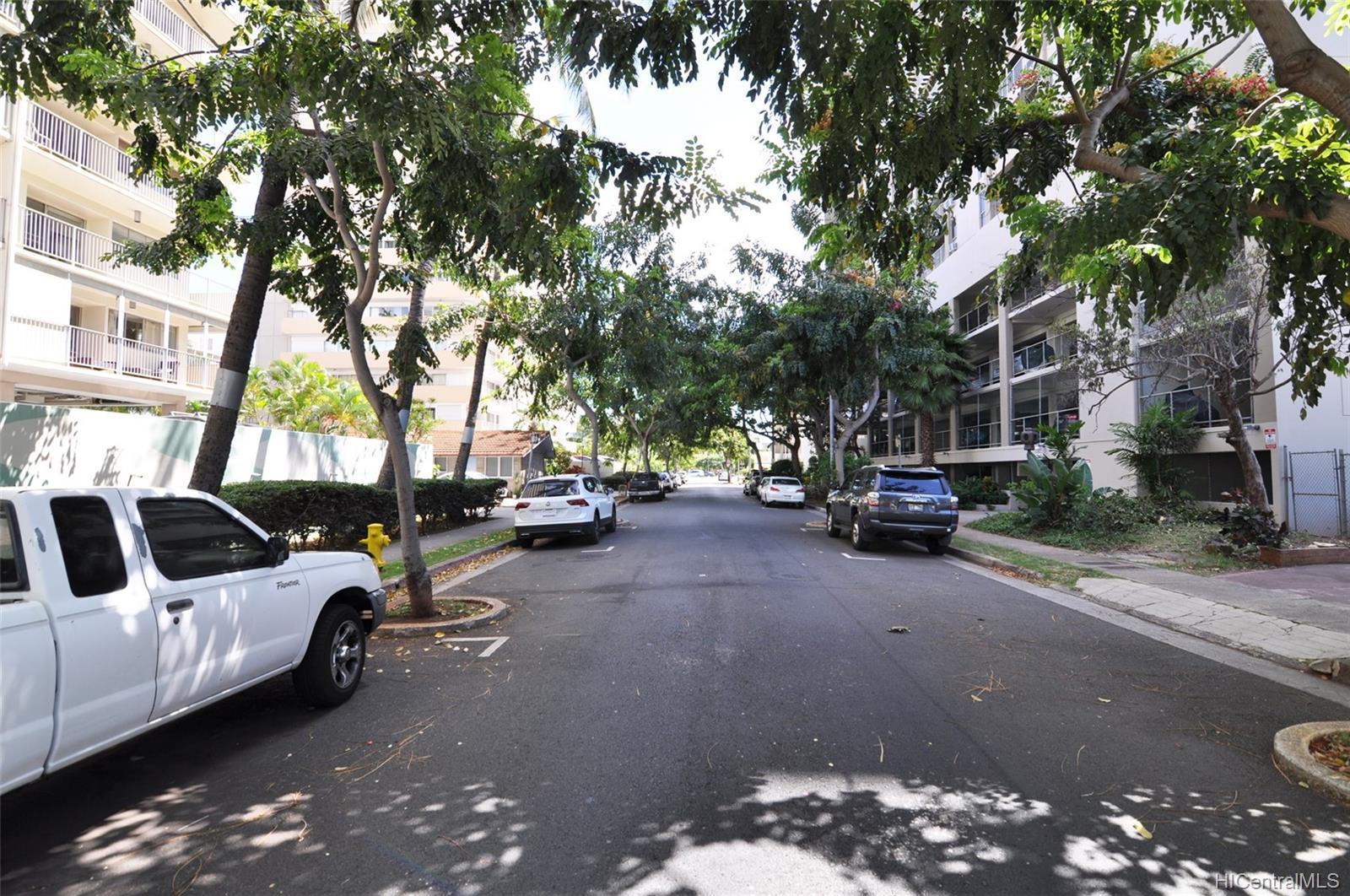 Keoni Ana condo # 104, Honolulu, Hawaii - photo 16 of 17