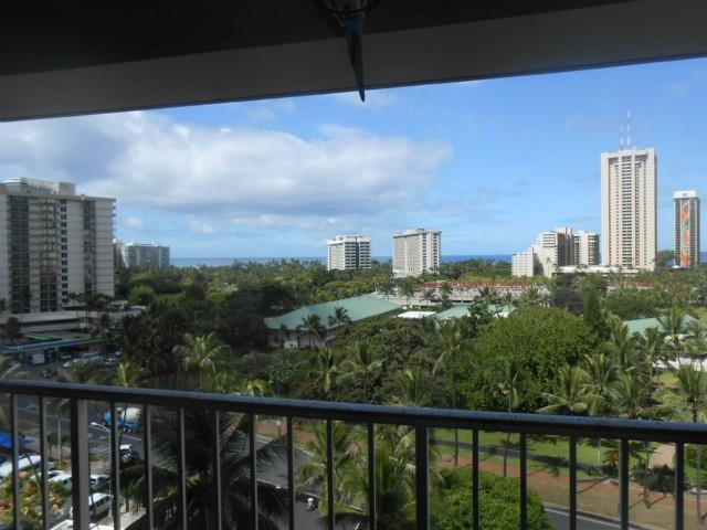 Keoni Ana condo #606, Honolulu, Hawaii - photo 1 of 7