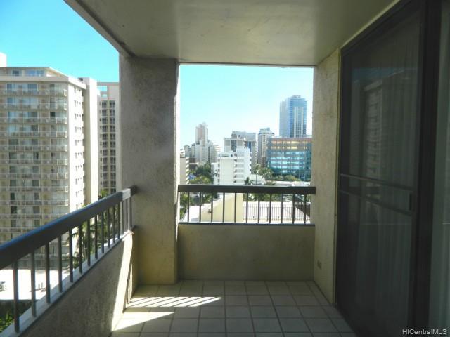 Aloha Towers condo #1203, Honolulu, Hawaii - photo 1 of 6