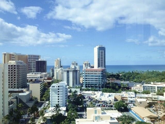 Aloha Towers condo #21 E, Honolulu, Hawaii - photo 1 of 25