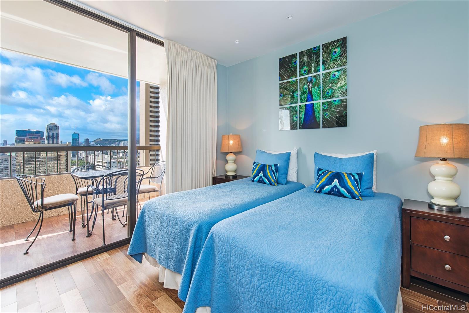 Aloha Towers condo # 2701, Honolulu, Hawaii - photo 13 of 25