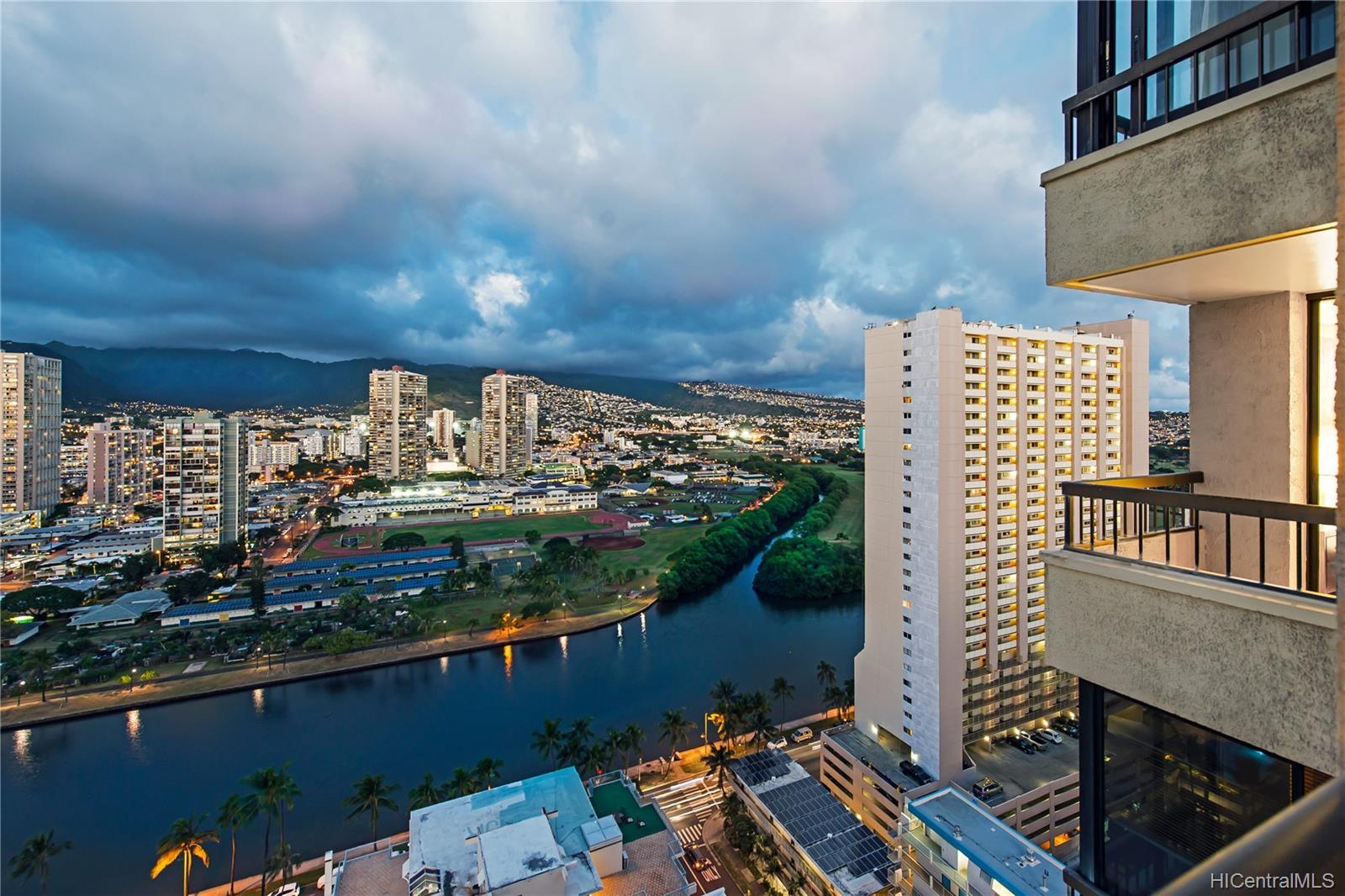 Aloha Towers condo # 2701, Honolulu, Hawaii - photo 19 of 25