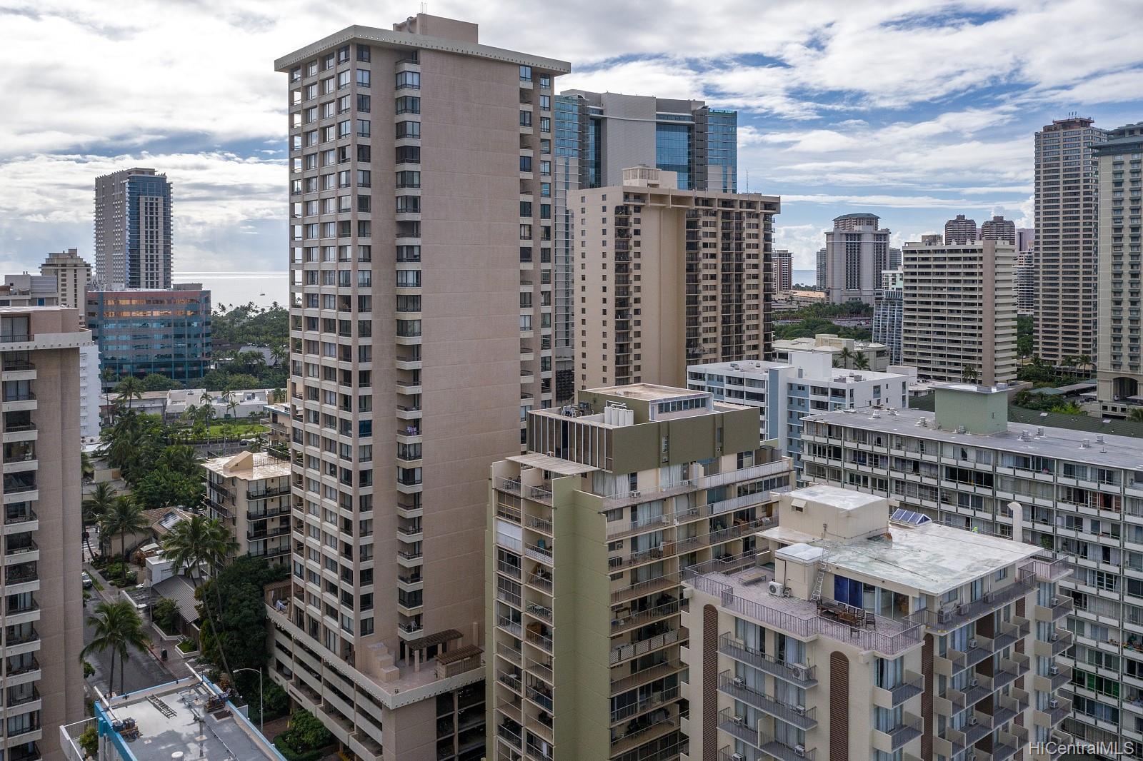 Aloha Towers condo # 2701, Honolulu, Hawaii - photo 20 of 25