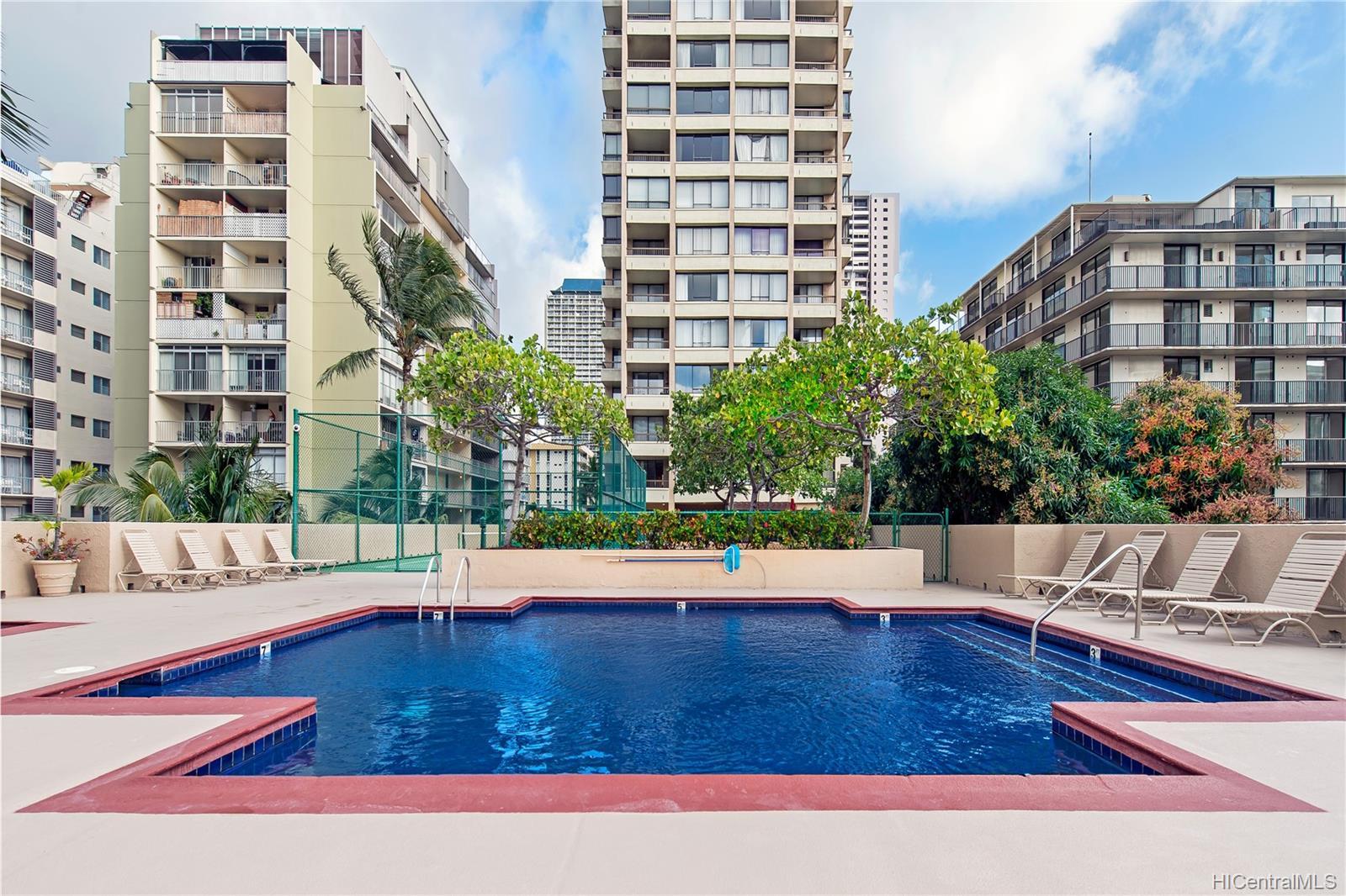 Aloha Towers condo # 2701, Honolulu, Hawaii - photo 23 of 25