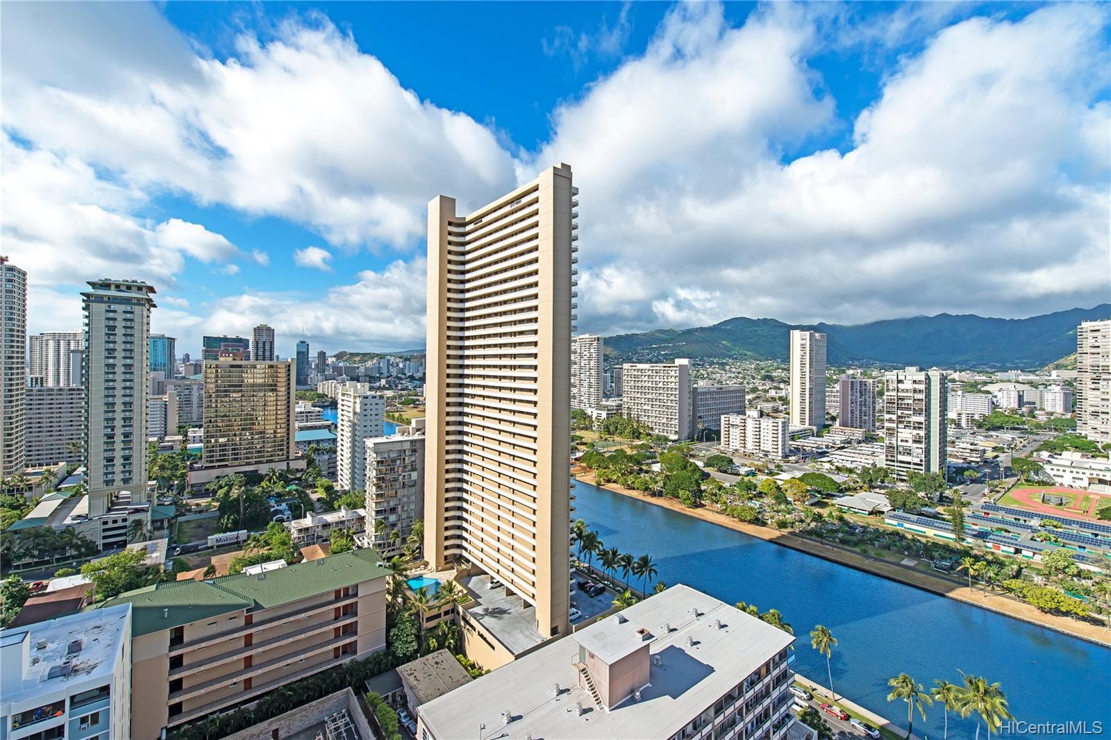 Aloha Towers condo # 2701, Honolulu, Hawaii - photo 6 of 25