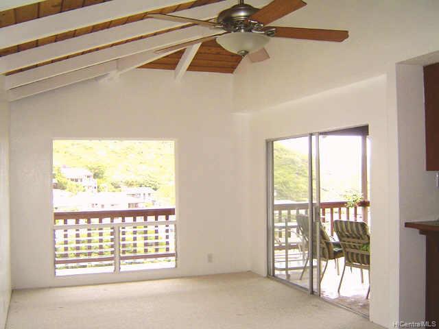 435  Anolani St Niu Valley, Diamond Head home - photo 3 of 10