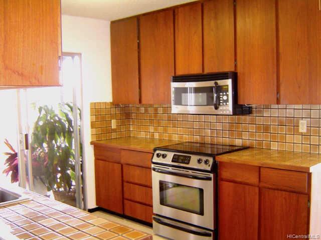 435  Anolani St Niu Valley, Diamond Head home - photo 4 of 10