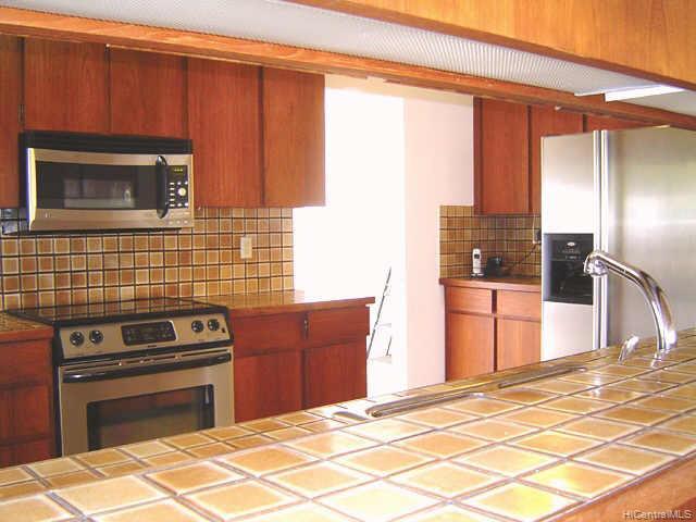 435  Anolani St Niu Valley, Diamond Head home - photo 5 of 10