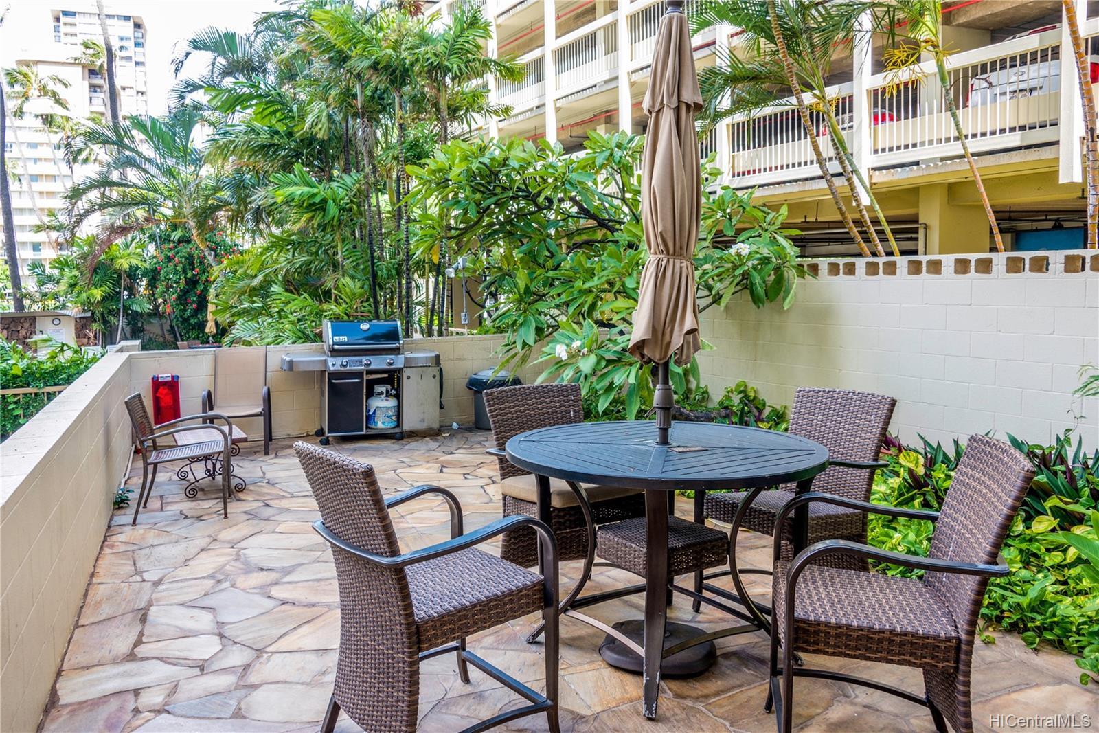 Seaside Towers condo # 606, Honolulu, Hawaii - photo 7 of 13