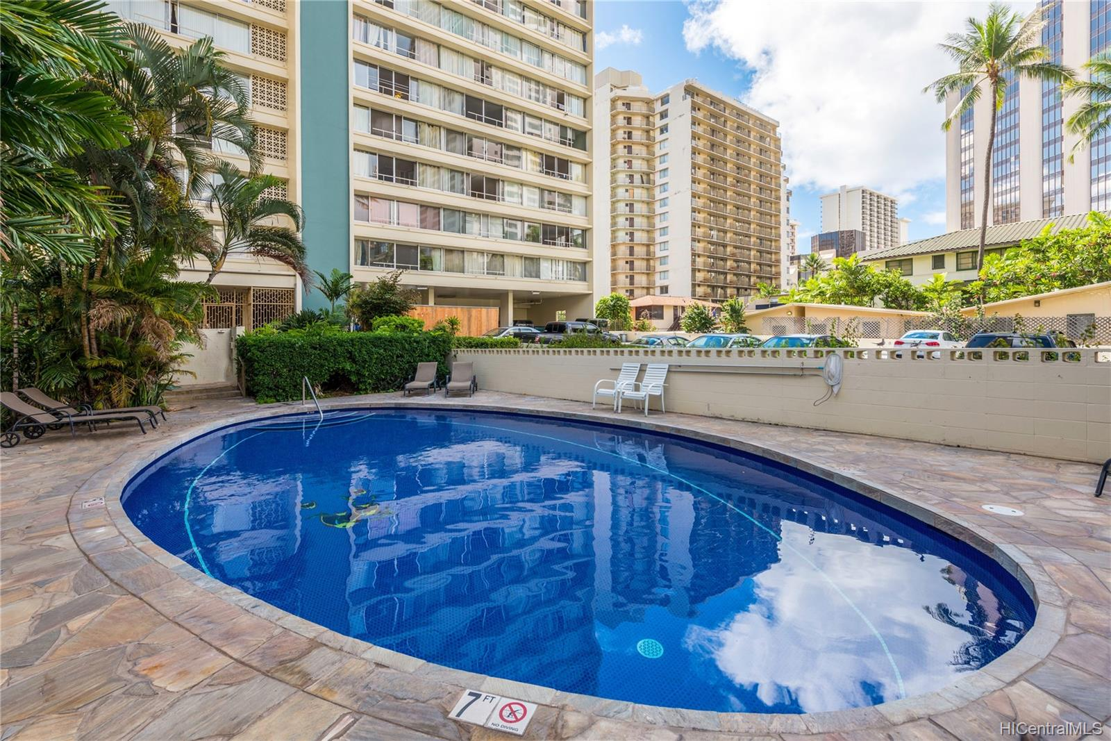 Seaside Towers condo # 606, Honolulu, Hawaii - photo 8 of 13
