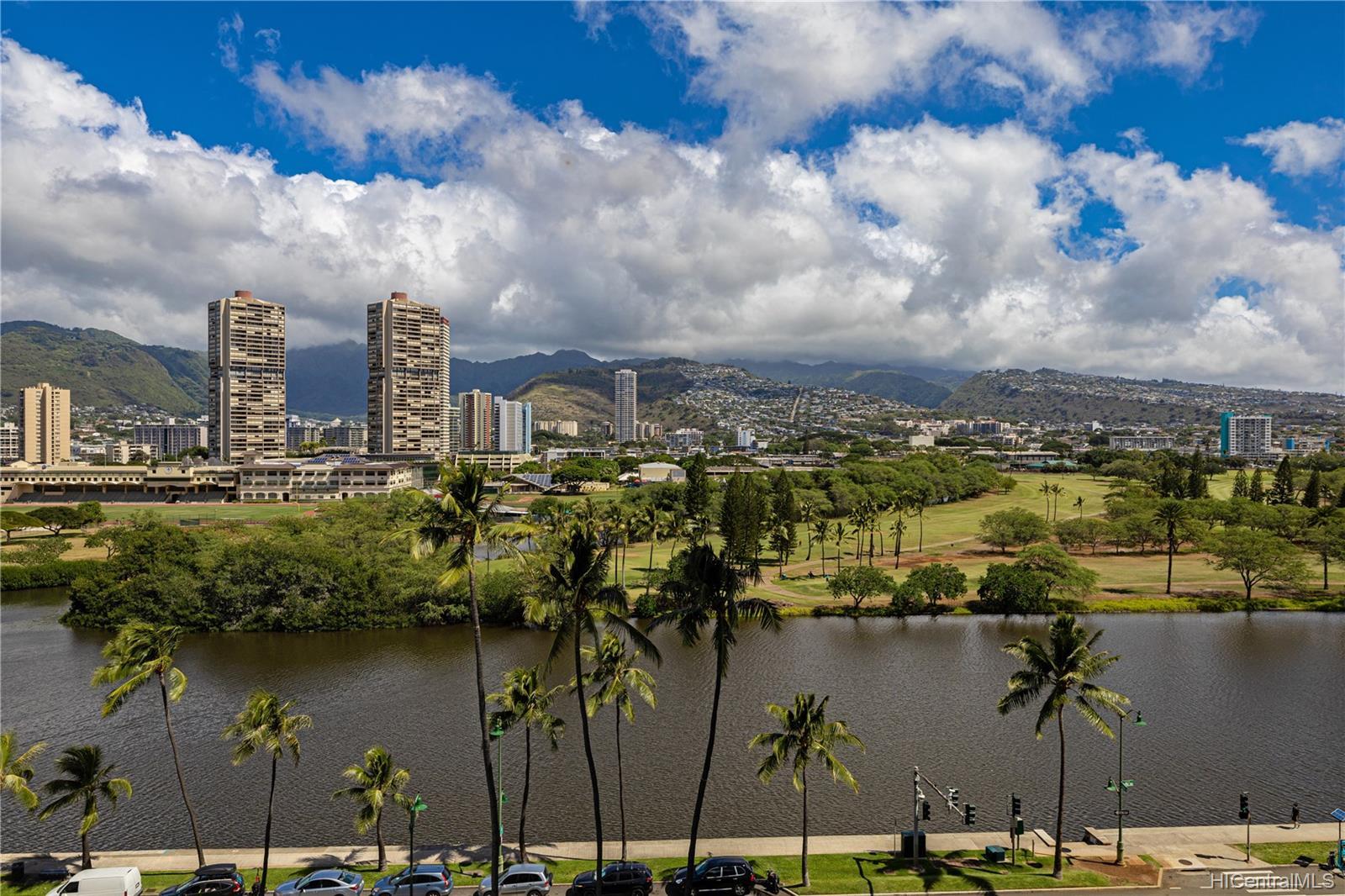 Seaside Suites condo # 903, Honolulu, Hawaii - photo 1 of 16