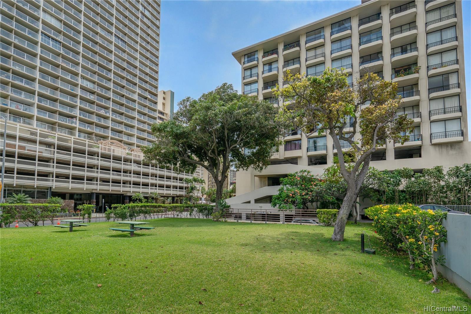 Seaside Suites condo # 903, Honolulu, Hawaii - photo 11 of 16