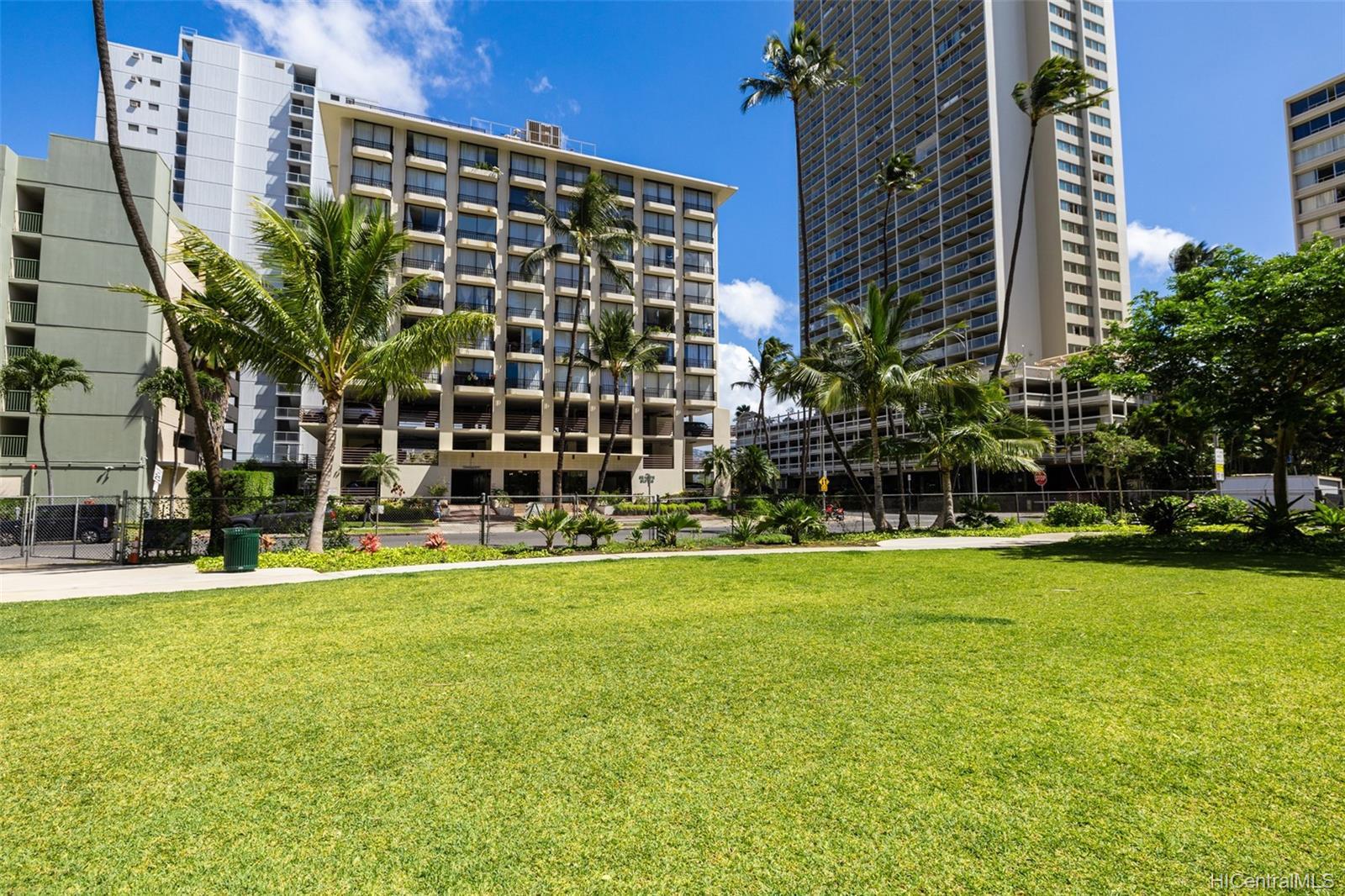 Seaside Suites condo # 903, Honolulu, Hawaii - photo 13 of 16