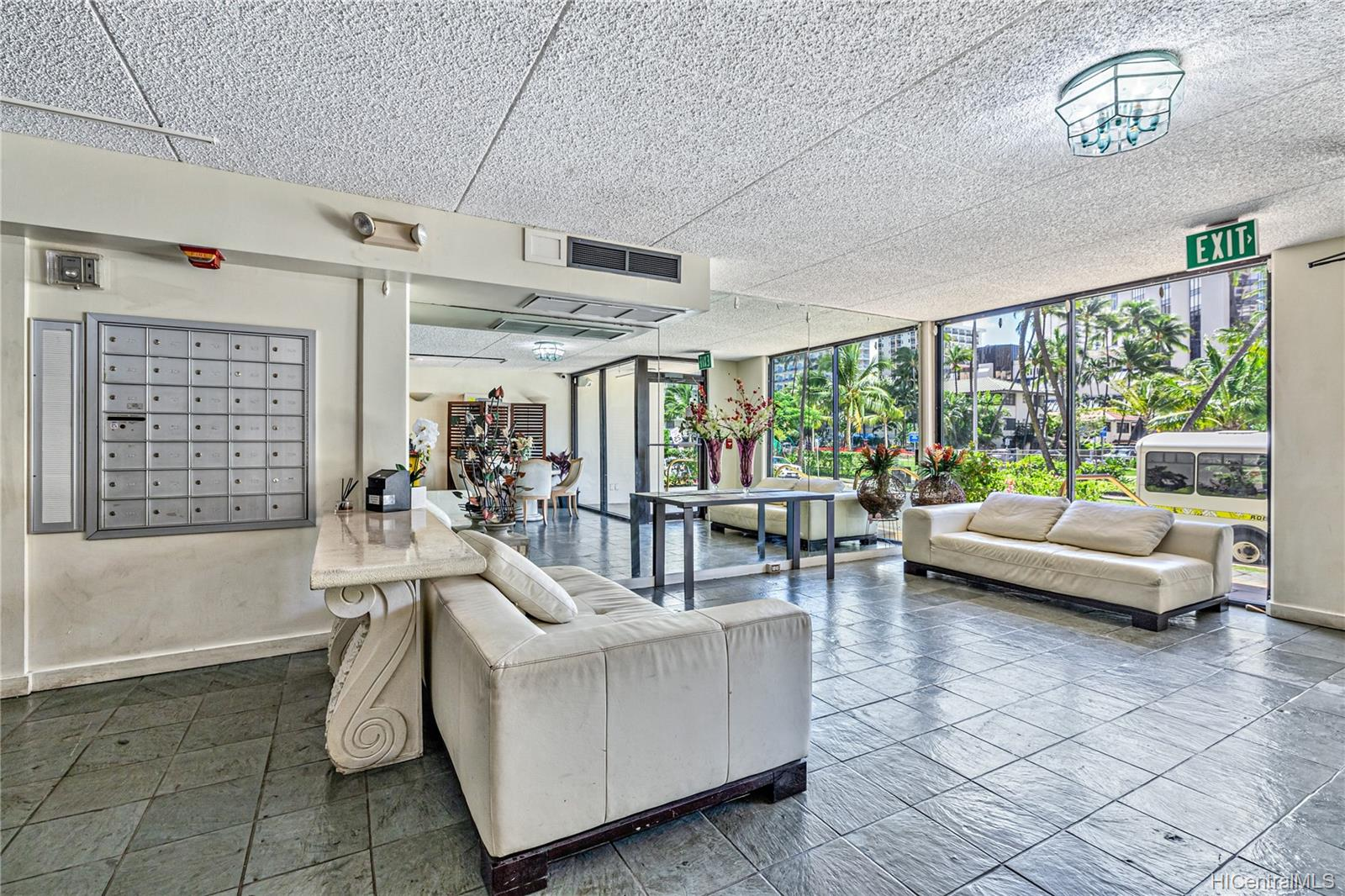Seaside Suites condo # 903, Honolulu, Hawaii - photo 15 of 16