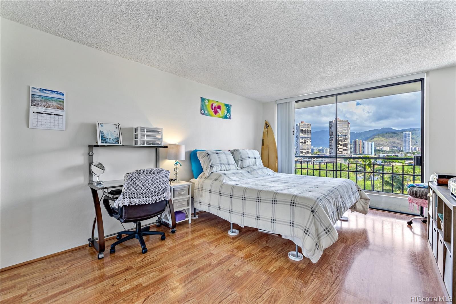 Seaside Suites condo # 903, Honolulu, Hawaii - photo 6 of 16