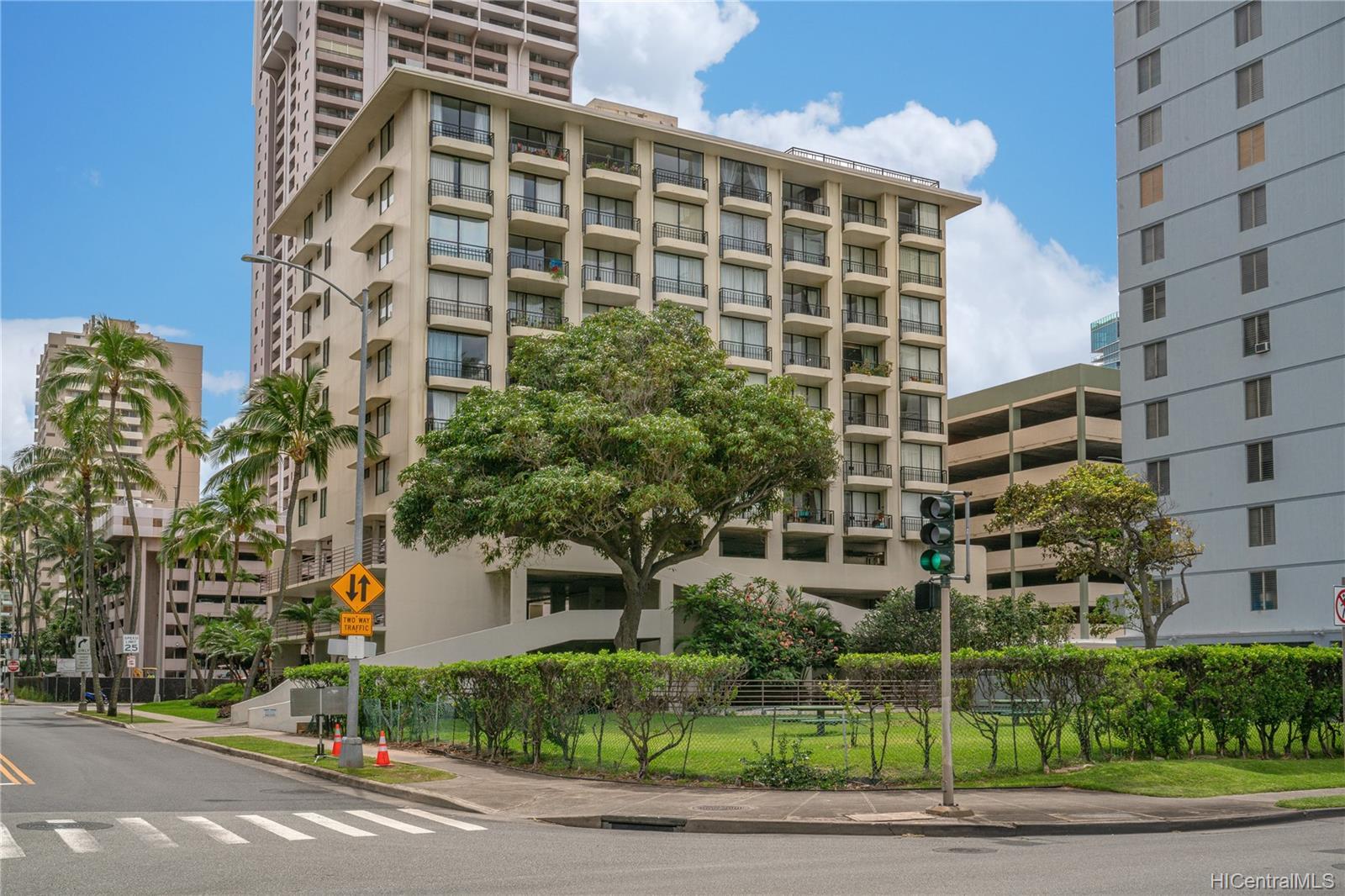 Seaside Suites condo # 903, Honolulu, Hawaii - photo 9 of 16
