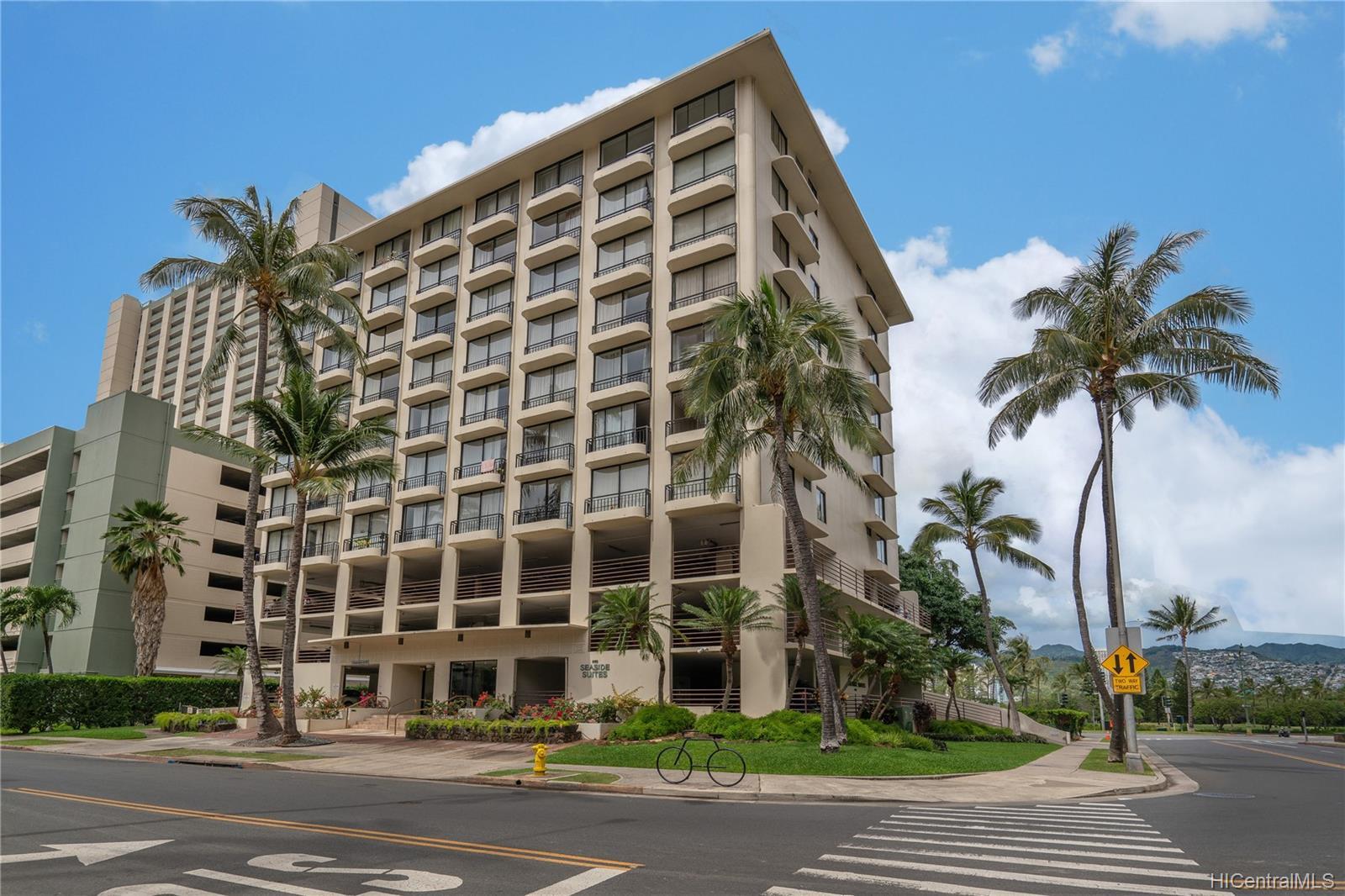 Seaside Suites condo # 903, Honolulu, Hawaii - photo 10 of 16