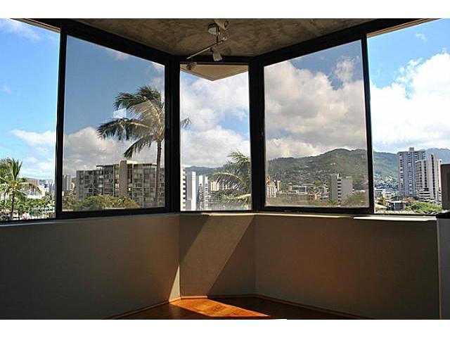 Hawaiian Monarch condo # 814, Honolulu, Hawaii - photo 4 of 10