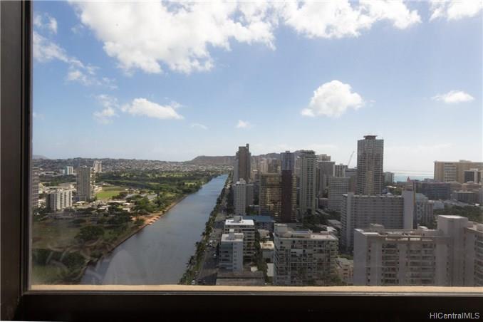 Hawaiian Monarch condo # 3405, Honolulu, Hawaii - photo 4 of 21