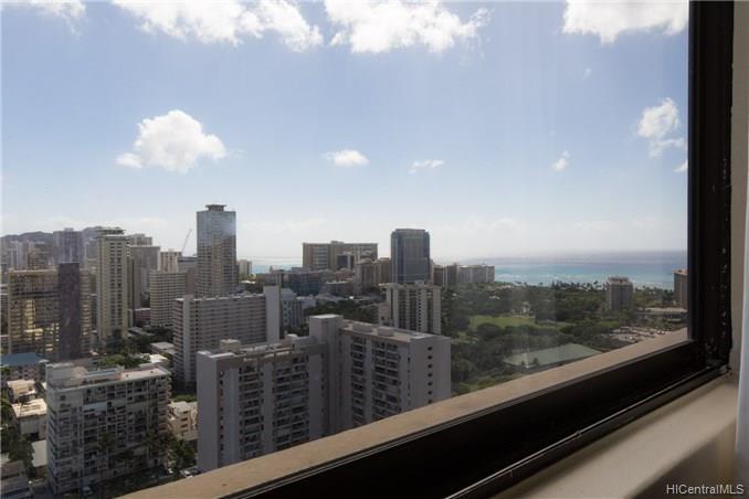 Hawaiian Monarch condo # 3405, Honolulu, Hawaii - photo 5 of 21
