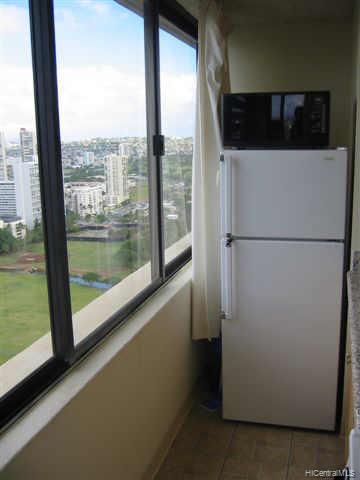 Hawaiian Monarch condo # 3707, Honolulu, Hawaii - photo 4 of 7
