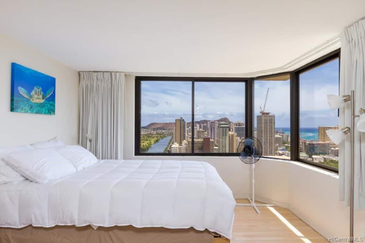 Hawaiian Monarch condo # 3803, Honolulu, Hawaii - photo 5 of 19