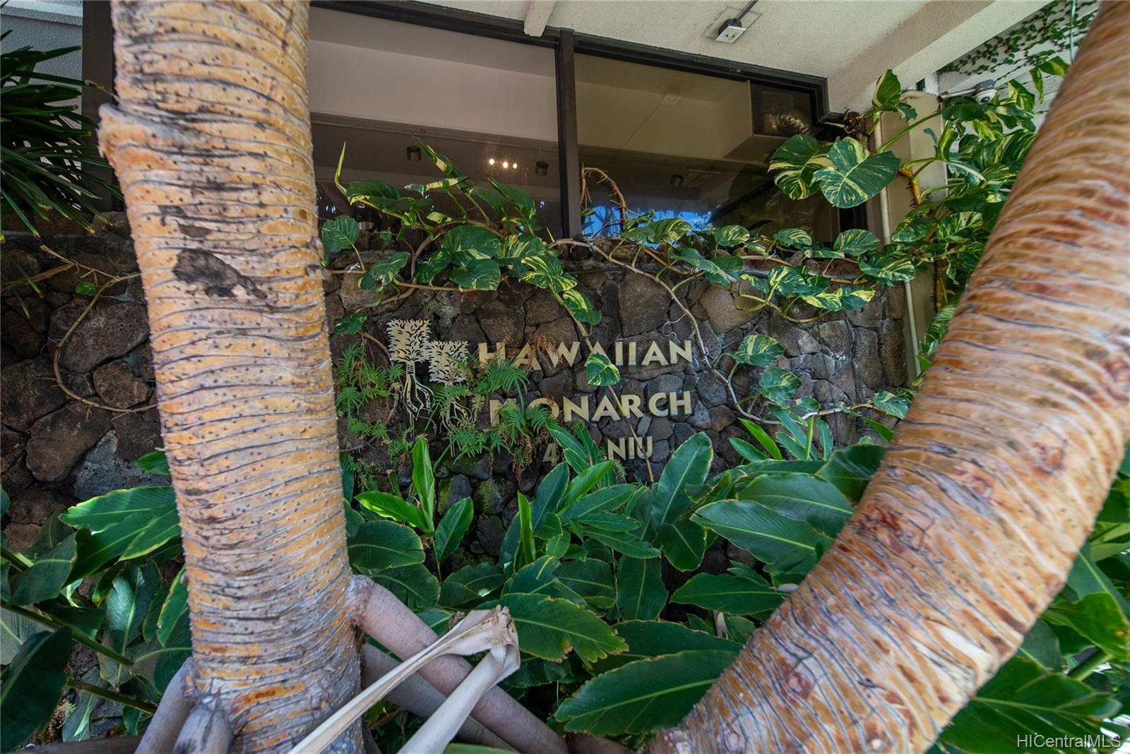 Hawaiian Monarch condo # 710, Honolulu, Hawaii - photo 15 of 20