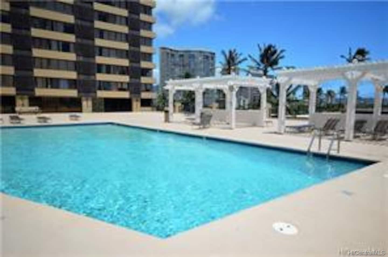 Hawaiian Monarch condo # 808, Honolulu, Hawaii - photo 13 of 17