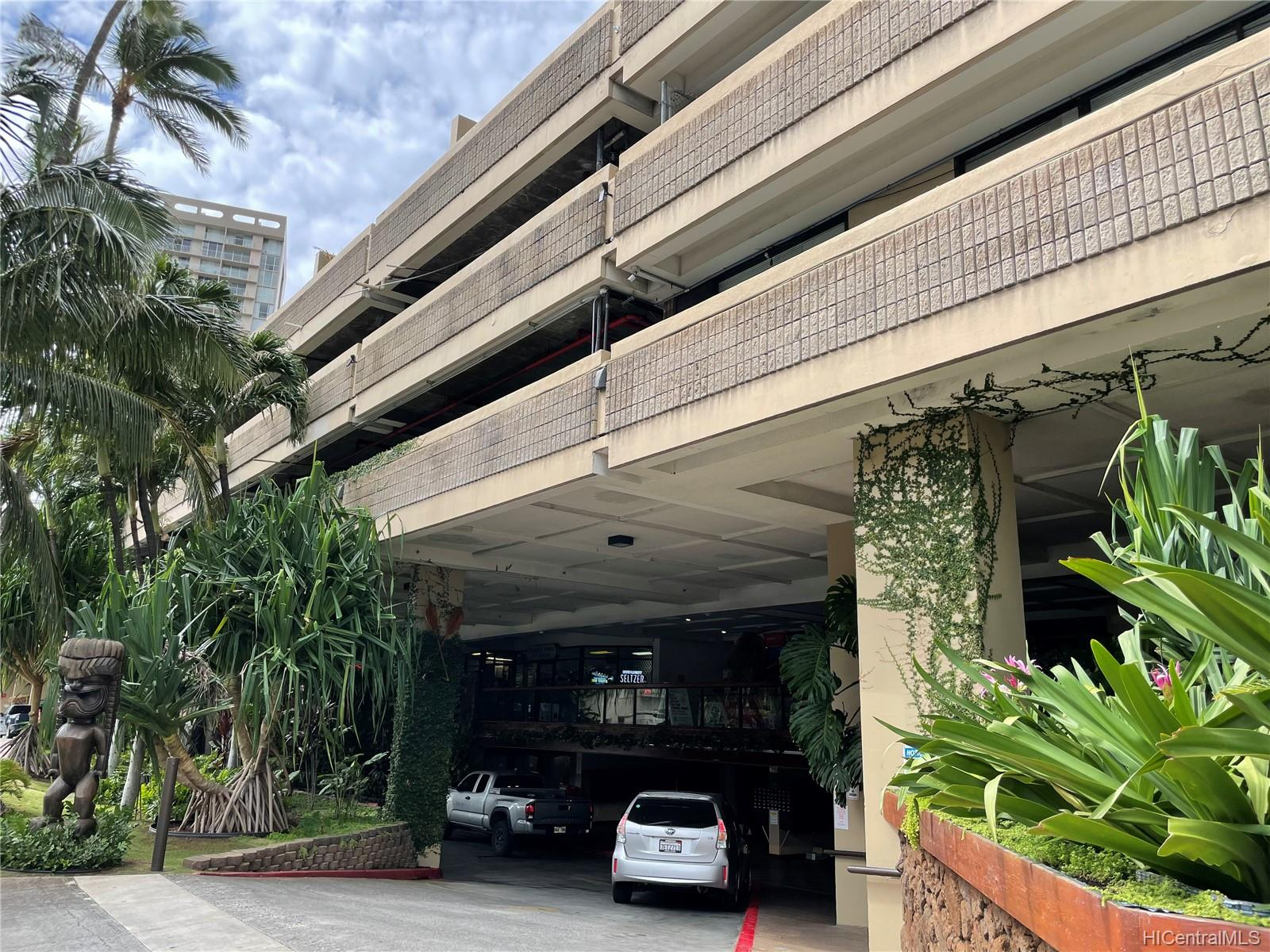 Hawaiian Monarch condo # 904, Honolulu, Hawaii - photo 10 of 11
