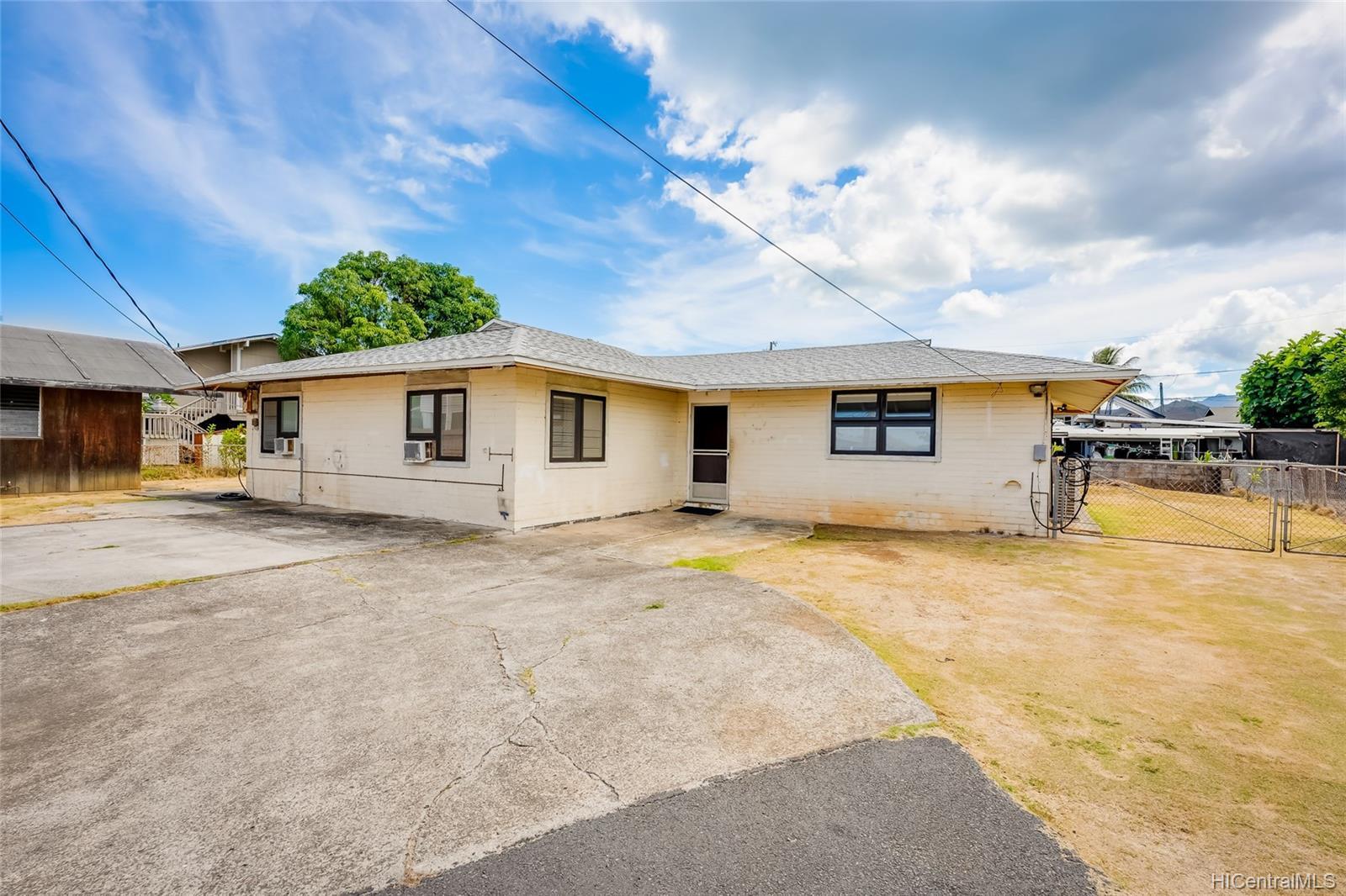 450A  Hinano Way Coconut Grove, Kailua home - photo 3 of 22