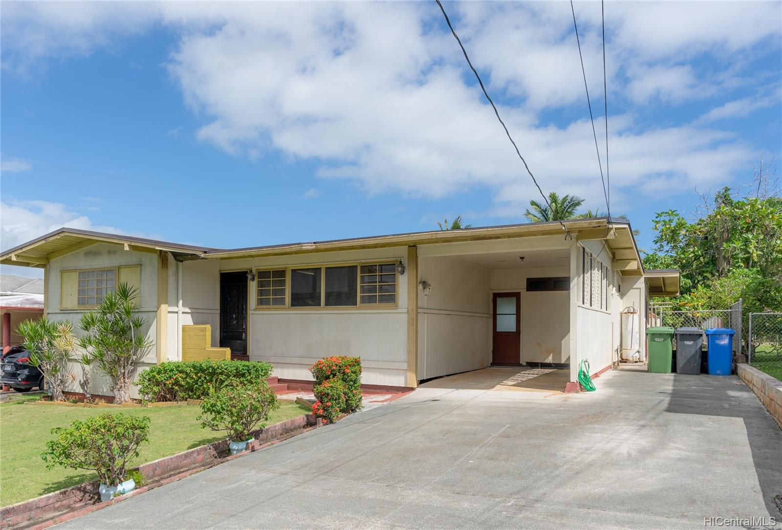 45-213  Namoku Street Pikoiloa, Kaneohe home - photo 2 of 22