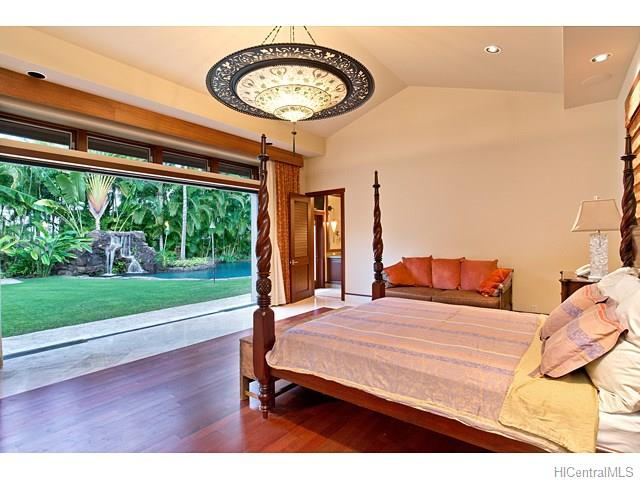 4533  Aukai Ave Kahala Area, Diamond Head home - photo 15 of 25