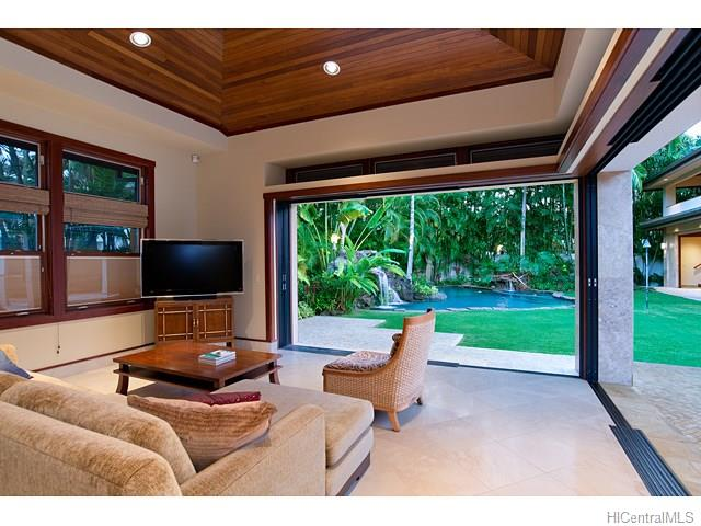 4533  Aukai Ave Kahala Area, Diamond Head home - photo 7 of 25