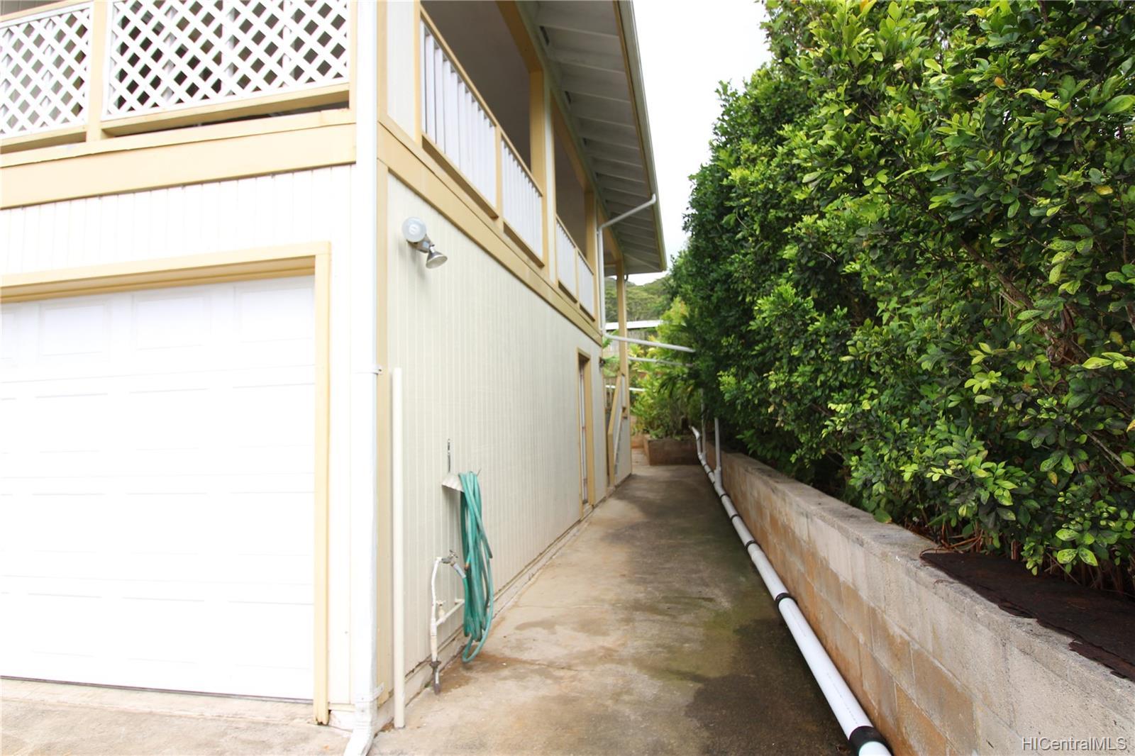 45-437  Nakuluai Street Pikoiloa, Kaneohe home - photo 15 of 25