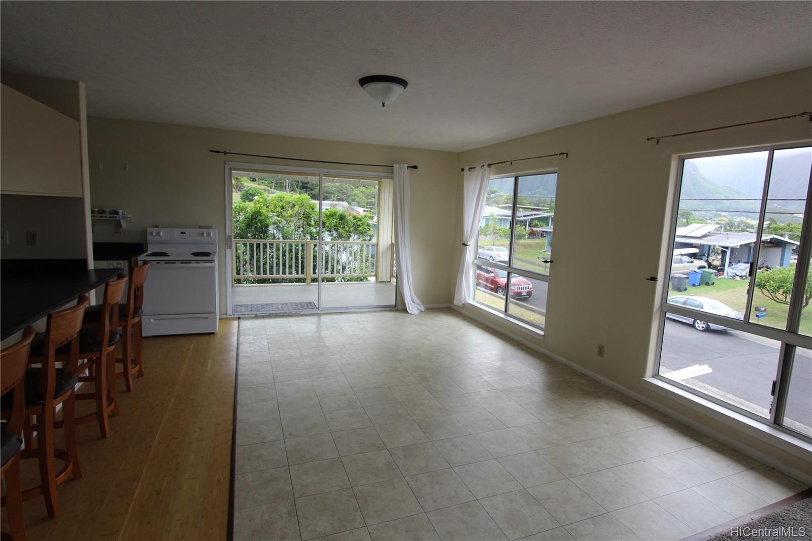45-437  Nakuluai Street Pikoiloa, Kaneohe home - photo 17 of 25