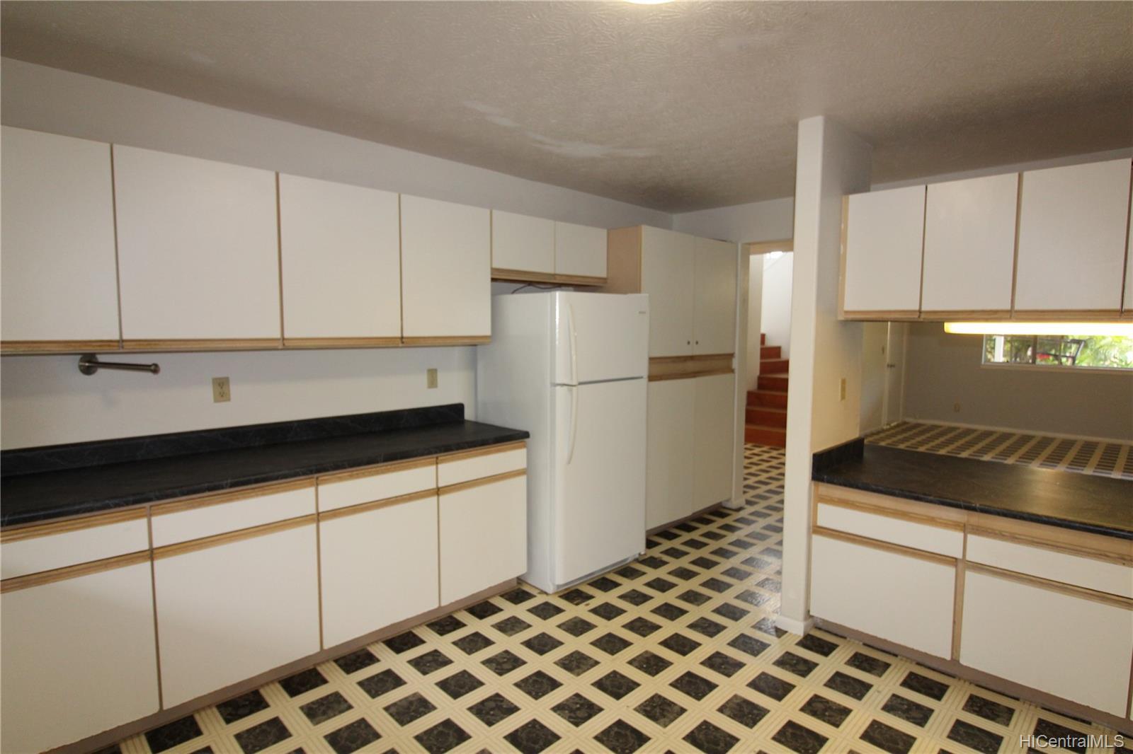 45-437  Nakuluai Street Pikoiloa, Kaneohe home - photo 7 of 25