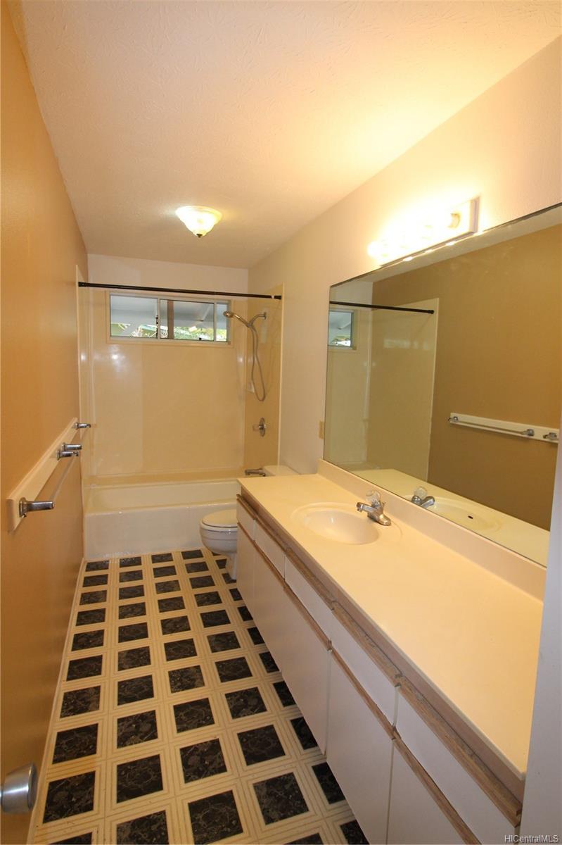 45-437  Nakuluai Street Pikoiloa, Kaneohe home - photo 9 of 25