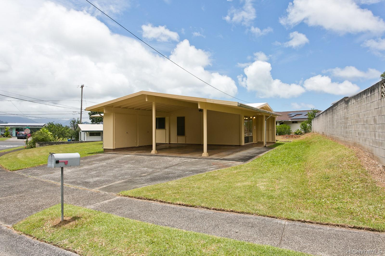45-451  Ohaha Street Pikoiloa, Kaneohe home - photo 2 of 14