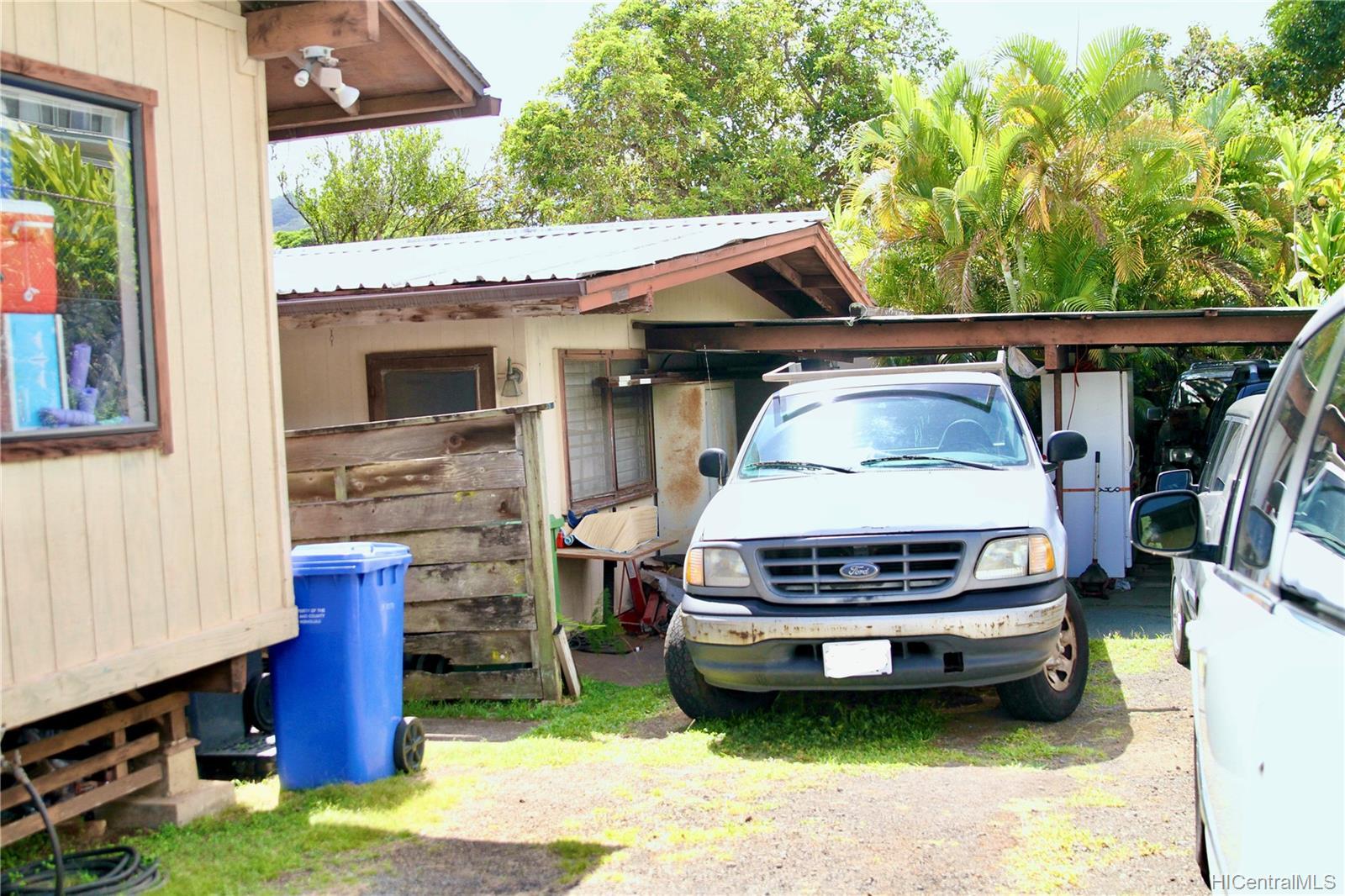 45-511  Duncan Drive Waikalua, Kaneohe home - photo 4 of 24