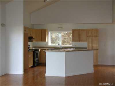 45536  Mahinui Rd Hale Kou, Kaneohe home - photo 4 of 10