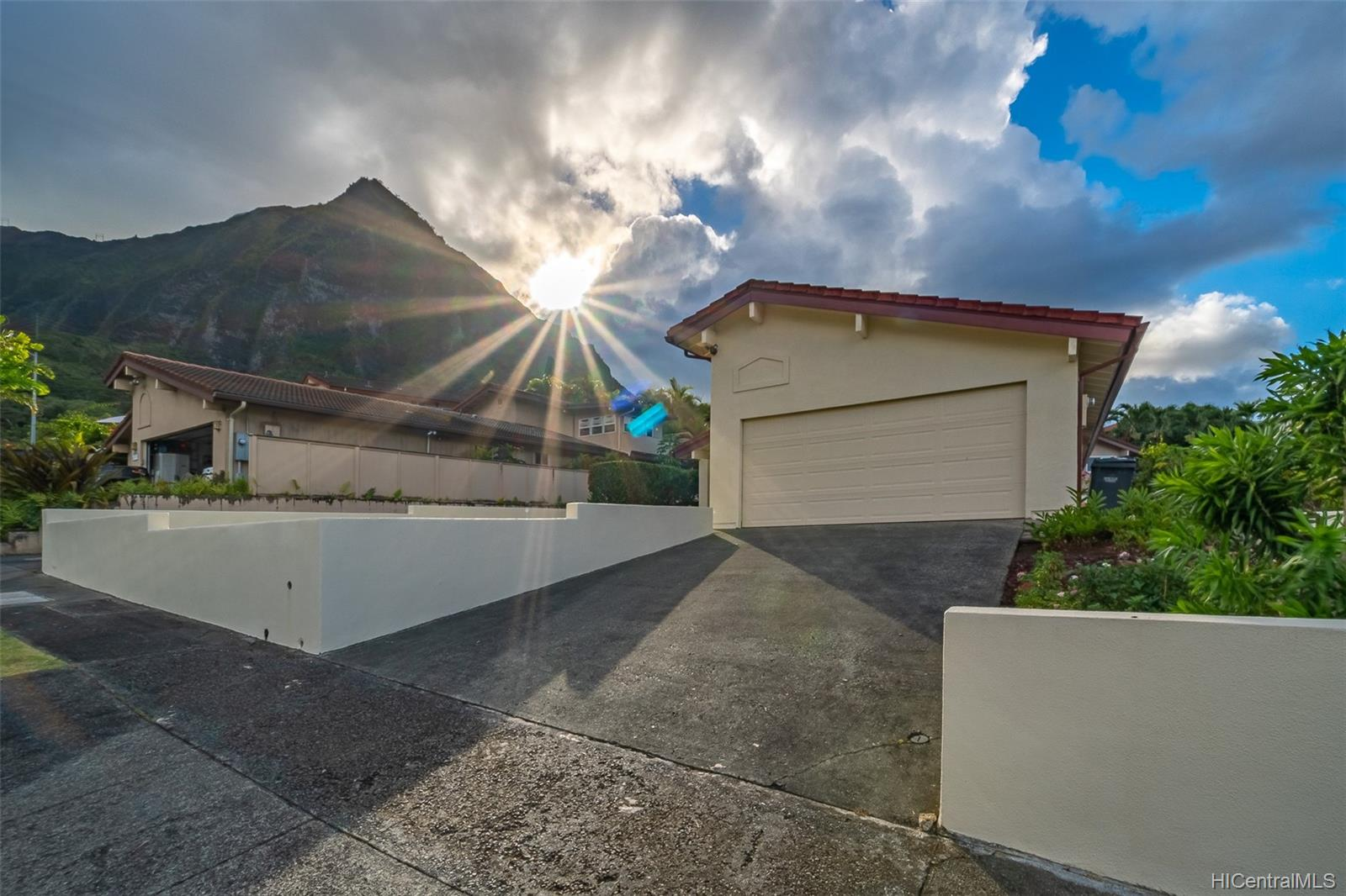 45-775  Puupele Street Castle Hill, Kaneohe home - photo 1 of 25