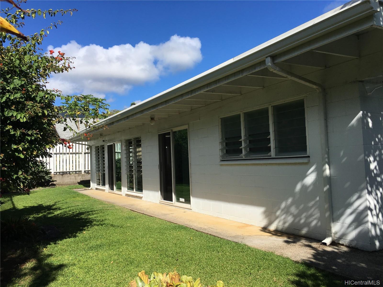 46-090  Ipuka St Alii Bluffs, Kaneohe home - photo 3 of 25