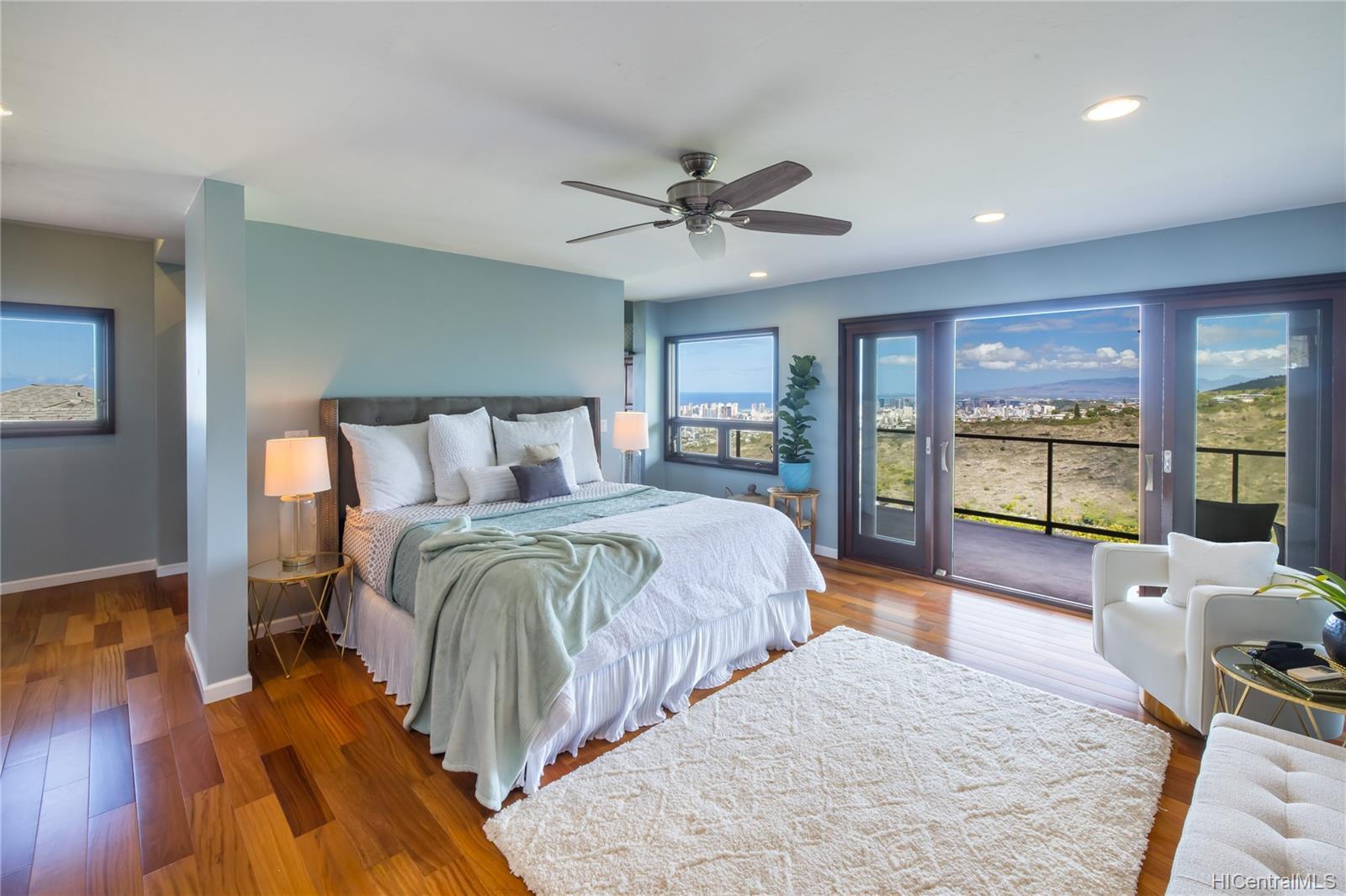 4658  Sierra Drive Maunalani Heights, Diamond Head home - photo 4 of 25