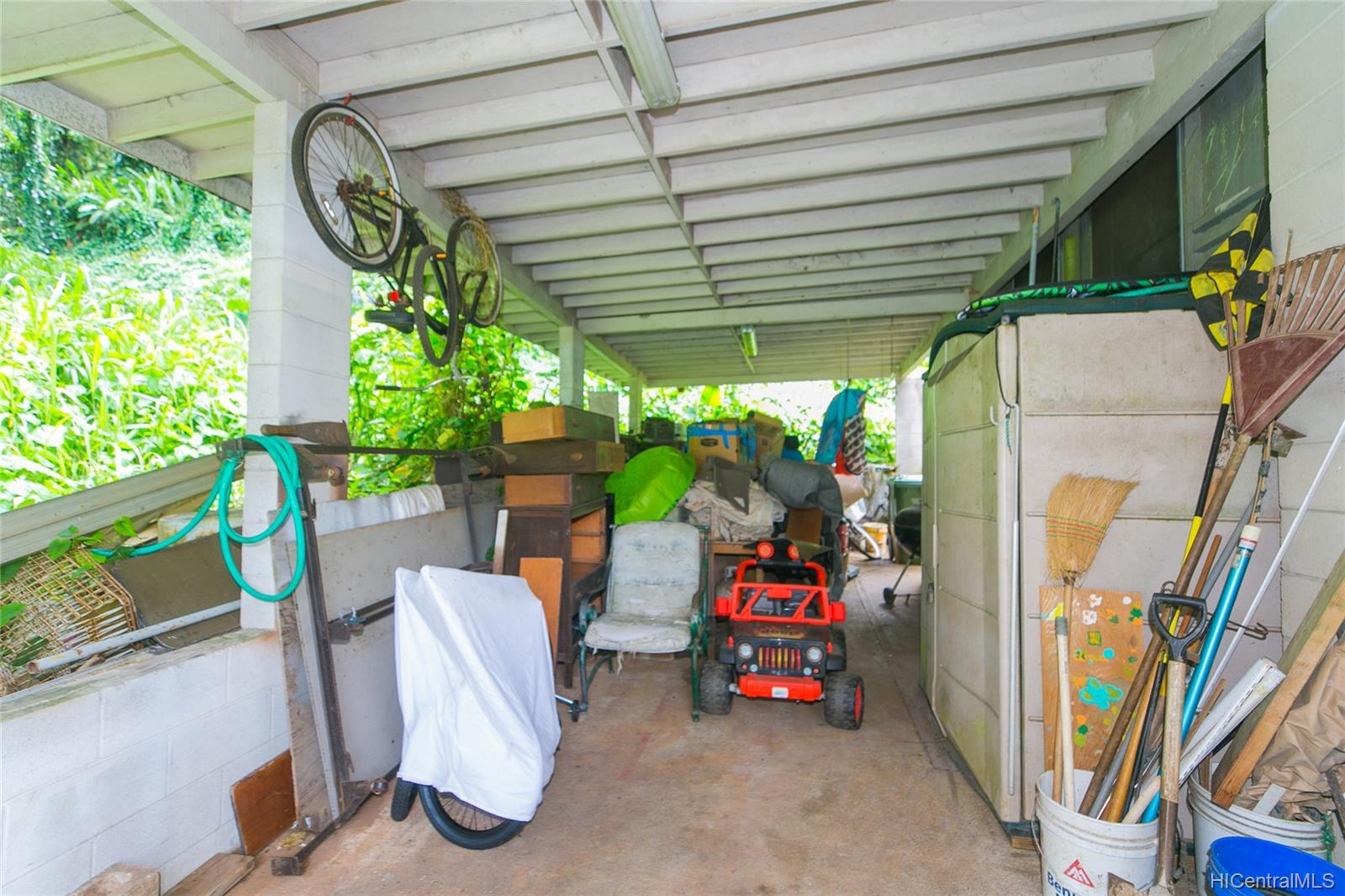 47-252  Ahuimanu Road Ahuimanu Area, Kaneohe home - photo 7 of 24