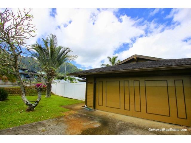47-457  Aiai Pl Ahuimanu Area, Kaneohe home - photo 2 of 24