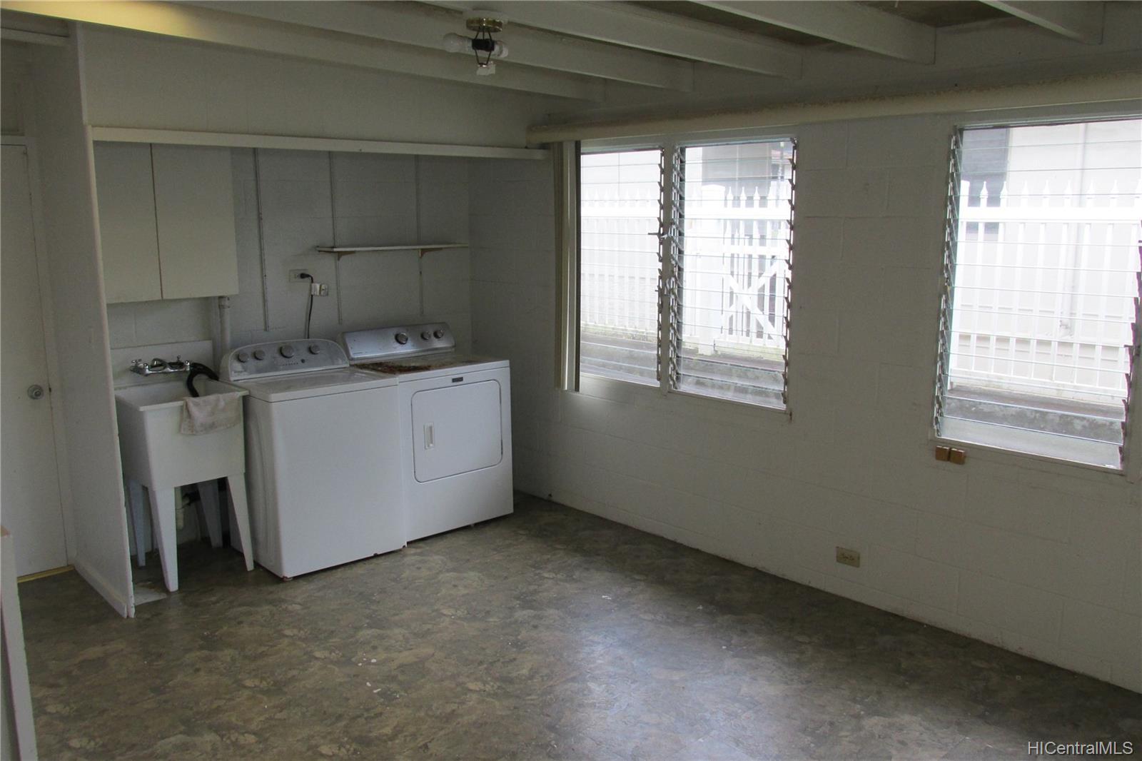 47-475  Ahulimanu Place Ahuimanu Area, Kaneohe home - photo 7 of 19