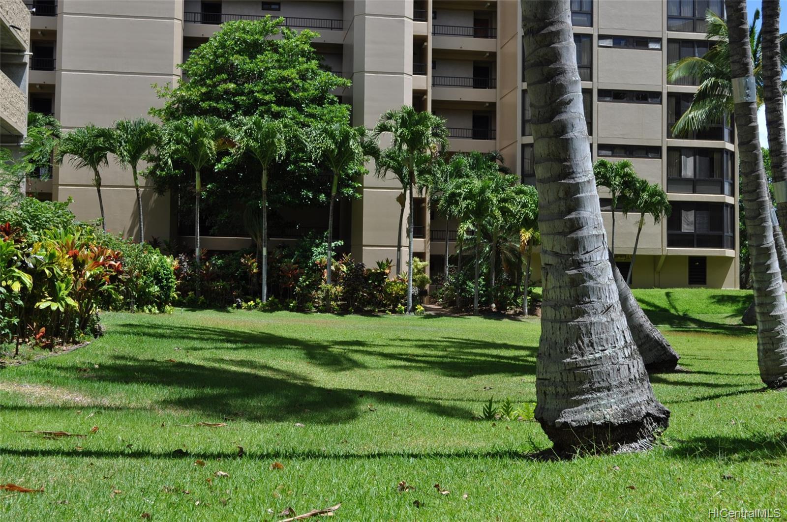 Country Club Plaza condo # #401E, Honolulu, Hawaii - photo 19 of 25