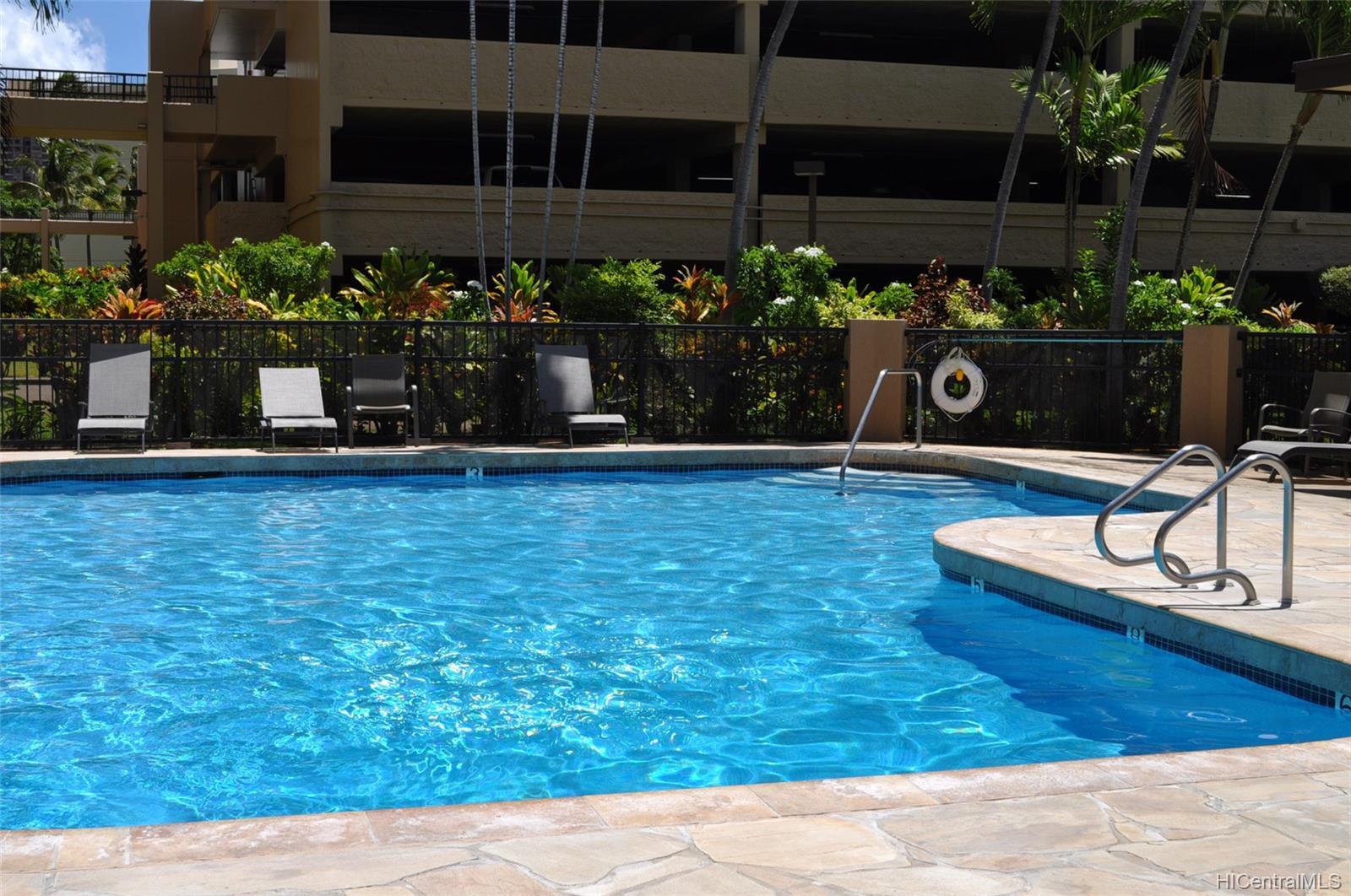 Country Club Plaza condo # #401E, Honolulu, Hawaii - photo 20 of 25