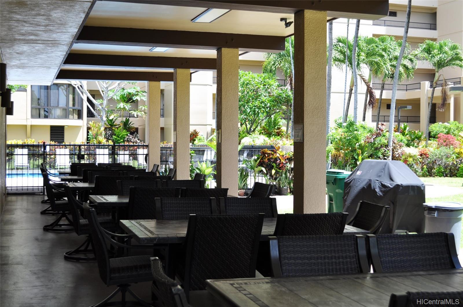 Country Club Plaza condo # #401E, Honolulu, Hawaii - photo 22 of 25