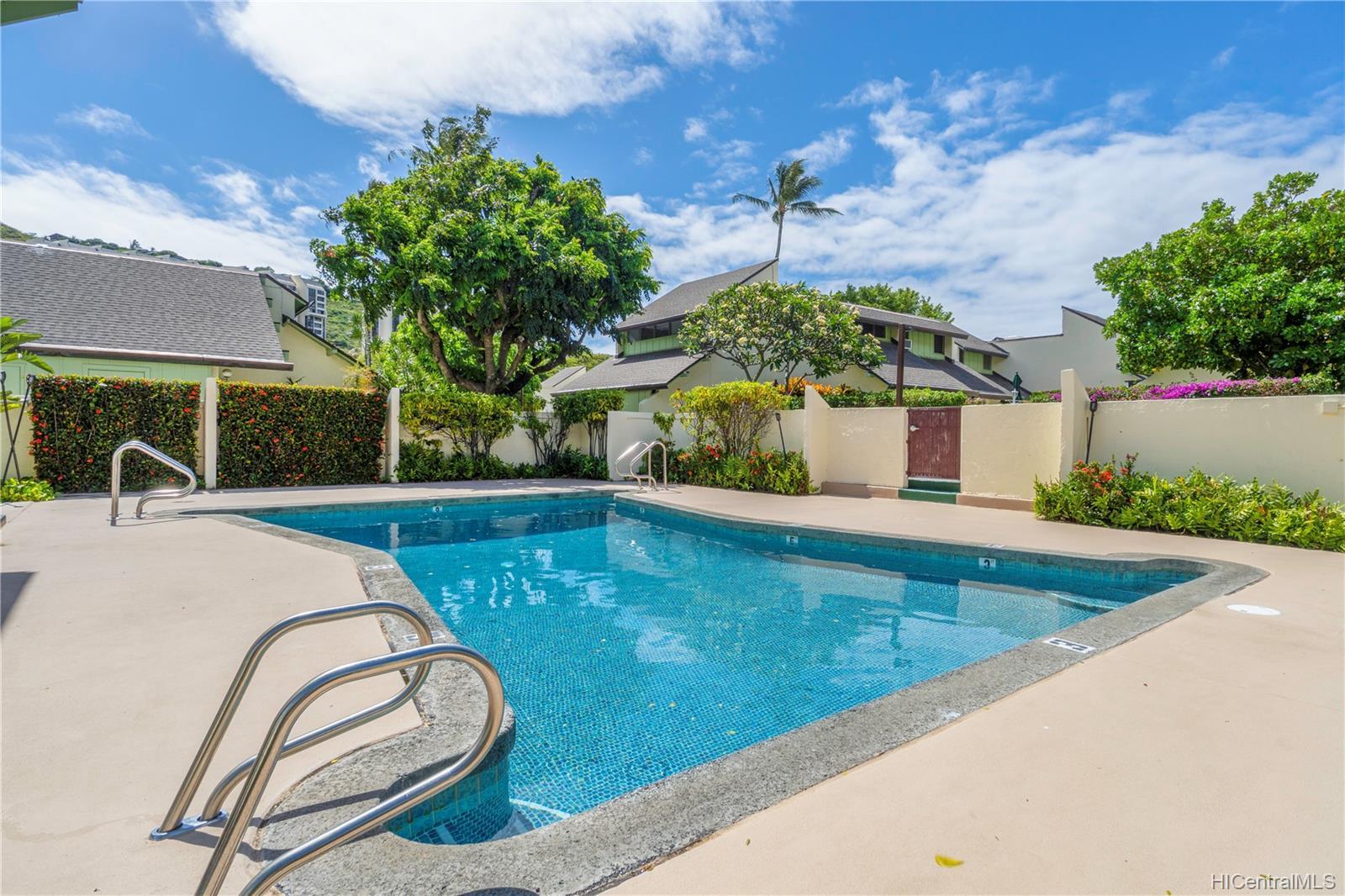 Village Green condo # 16A, Honolulu, Hawaii - photo 24 of 25